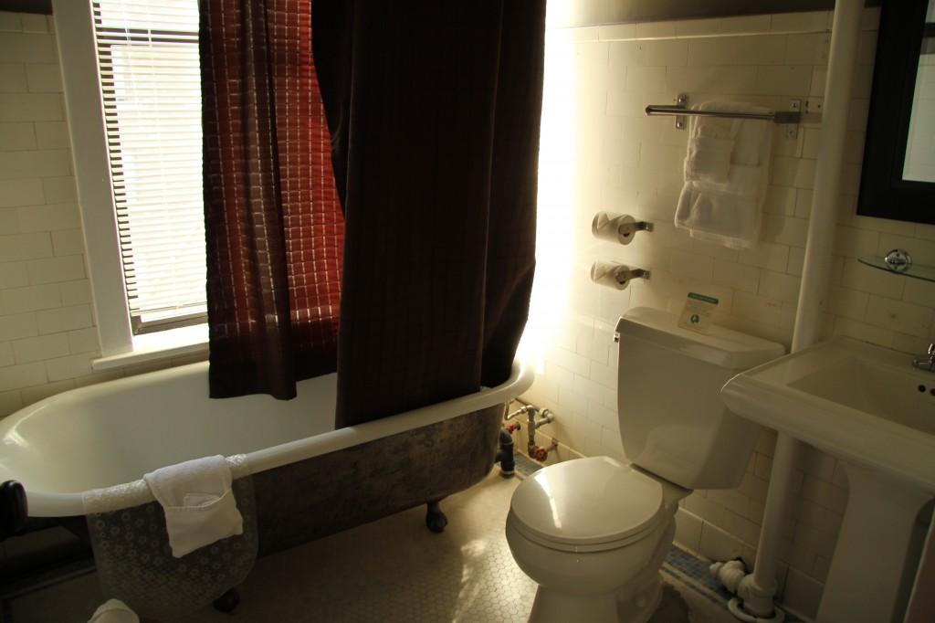 The Moore Hotel, Seattle - bathroom in suite 724