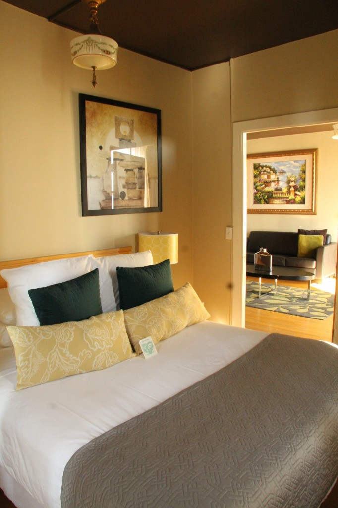 The Moore Hotel, Seattle - Master bedroom in suite 724