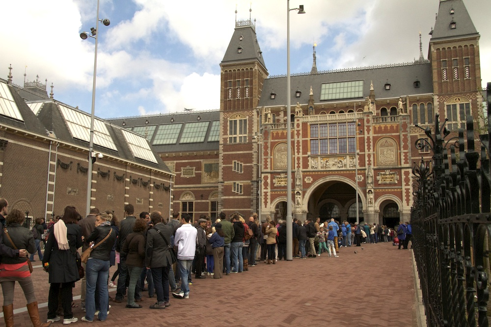 The line outside the Rijksmuseum